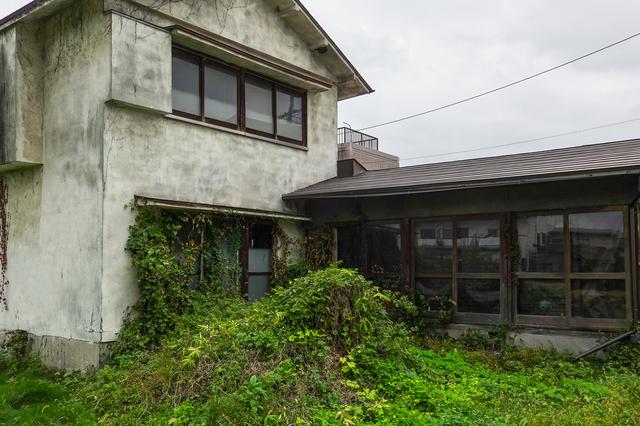別荘 相続 放棄 空き家